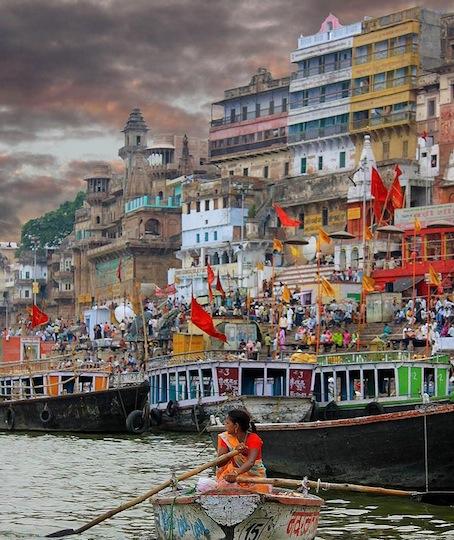 Varanasi boat - use